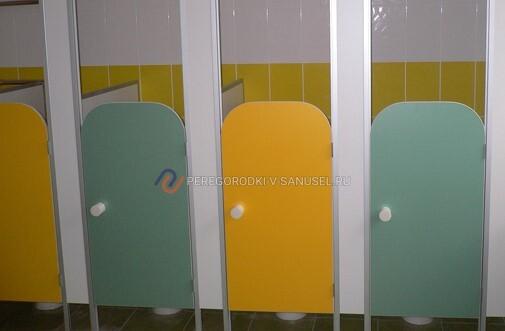 Особенности сантехнических перегородок для школ